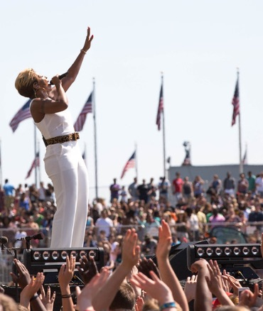 Mary J. Blige performs on the National Mall - Photo by Ellie Van Houtte/USAID
